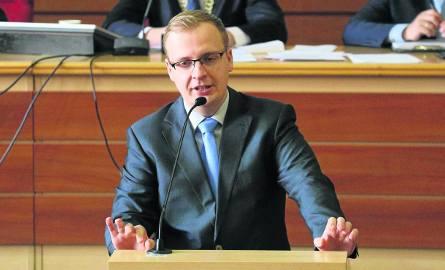 Radny PiS Marcin Szczudło od marca pracuje w PSG - spółce córce PGNiG. Nie przyznał się jednak do tego w kwietniu, kiedy o jego zatrudnienie pytali dziennikarze.