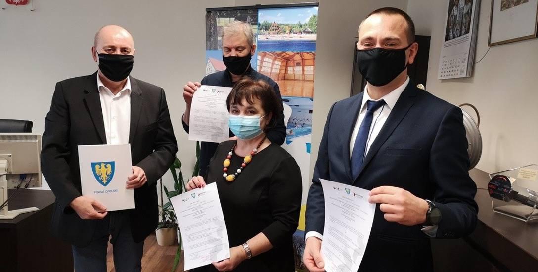 Starosta opolski oraz dyrektor prószkowskiej Pomologii podpisali już pierwszy list intencyjny z dyrektorem Młodzieżowego Domem Kultury – Elżbietą Ma