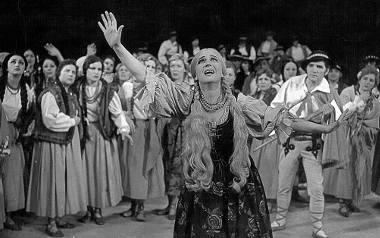 """Halka"" z 1967 roku: Halina Romanowska i Tadeusz Kopacki"