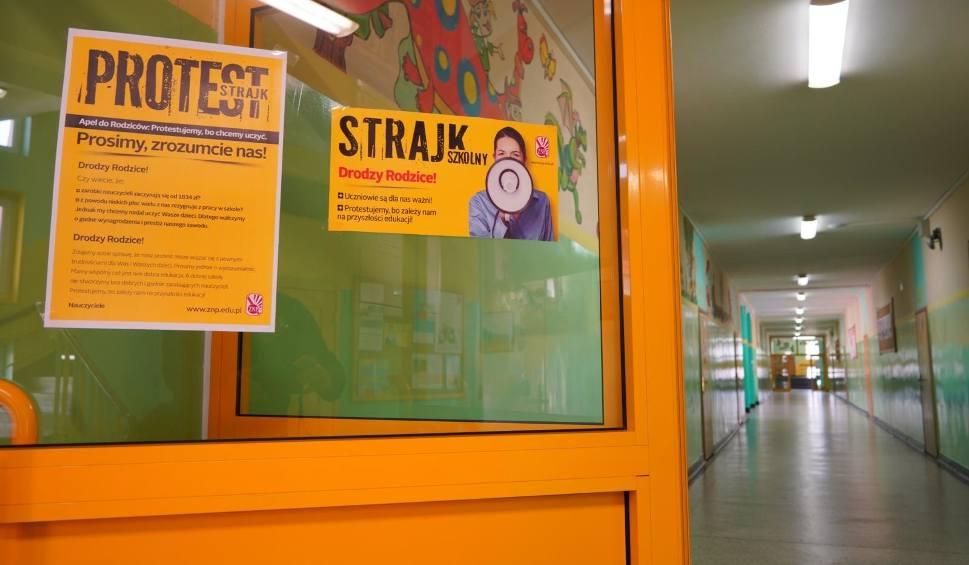 Film do artykułu: Strajk nauczycieli 2019. Czy egzamin gimnazjalny na Opolszczyźnie będzie przeprowadzony normalnie?