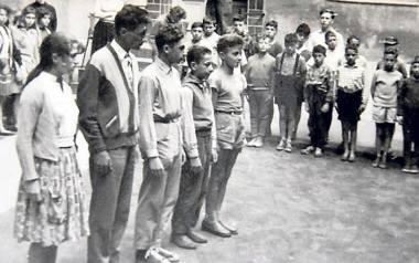 Uczniowie szkoły im. Pereca wyjeżdżali m.in. na kolonie do Dziwnowa