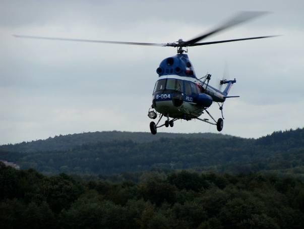 Śmigłowiec policji nad Górami Opawskimi wrócił do normalnej służby patrolowej nad granicą.