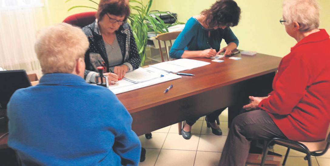Wnioski o Kartę Usteckiego Seniora przyjmowane są w sekretariacie MOPS-u