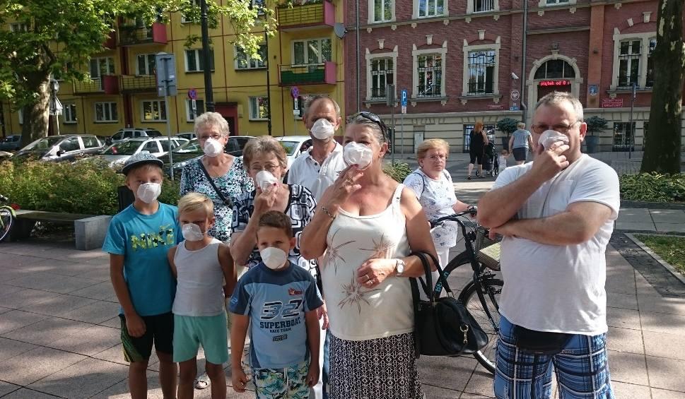 Film do artykułu: Mieszkańcy Siemianowic Śląskich protestują. Mają dość smrodu i firm recyklingowych ZDJĘCIA