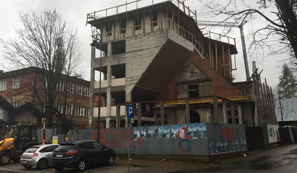 Film do artykułu: Zakopane: Skandal 50 m. od Krupówek! Z zabytkowej willi zrobili betonowy moloch [FOTO]