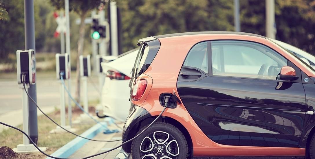 Raport NIK. Elektromobilność w Polsce pod niskim napięciem