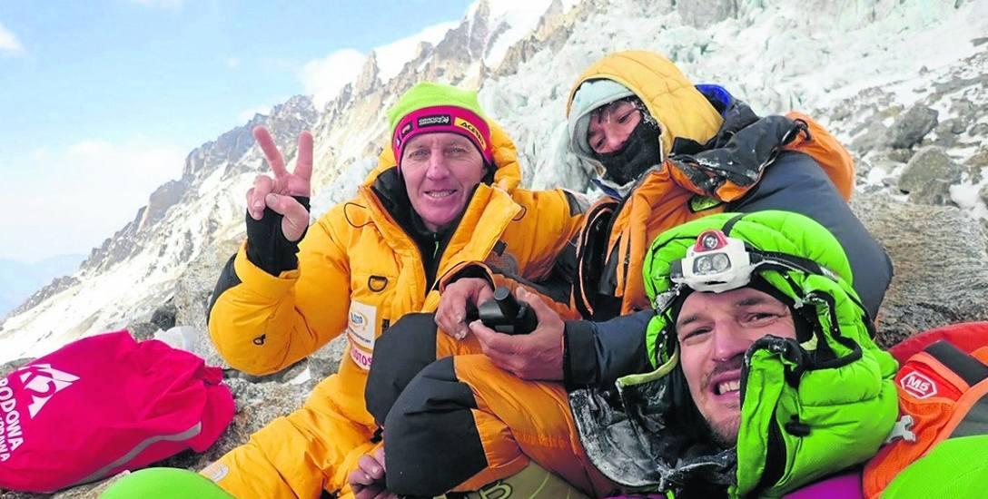 Denis Urubko, Elisabeth Revol i Adam Bielecki. Zdjęcie z akcji ratunkowej pod Nanga Parbat