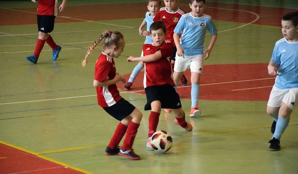Film do artykułu: Turniej piłkarski w Miastku. Grał rocznik 2010 i młodsi (wideo, zdjęcia)
