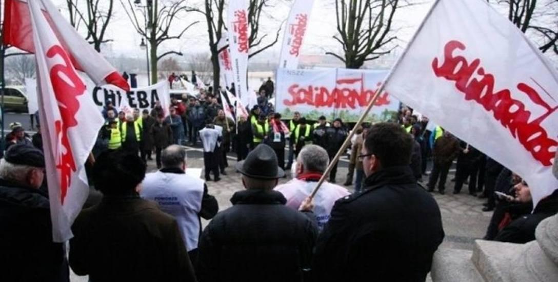 Wielki protest Solidarności: chcą więcej pieniędzy