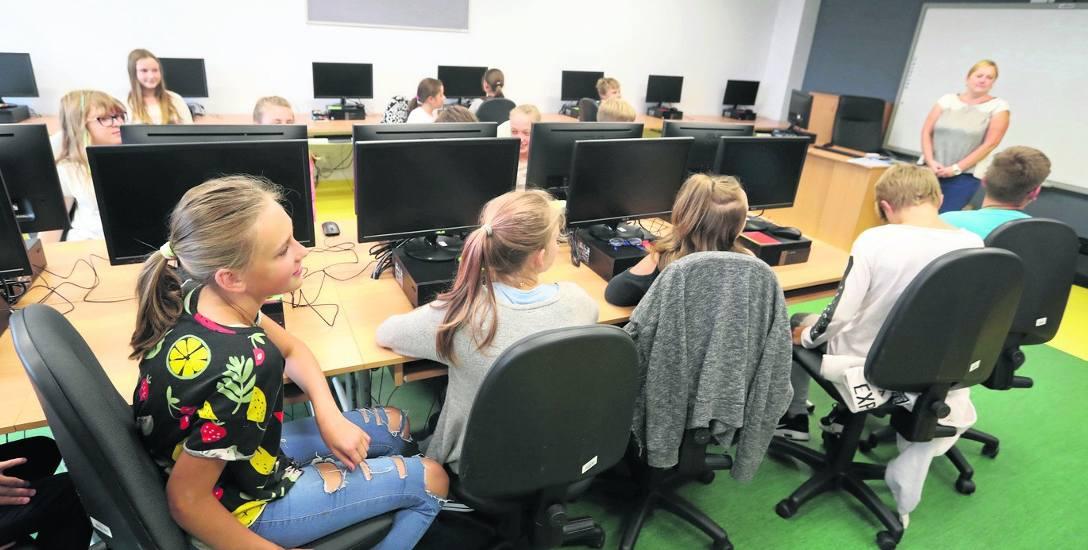 Każda szkoła powinna tak zorganizować pracę, żeby program lekcji był realizowany na lekcjach, a uczniowie nie mieli prac domowych