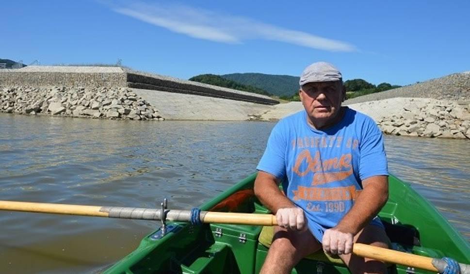 Film do artykułu: Gminy wydały miliony na odmulanie, a łodzie grzęzną, nim wypłyną na jezioro