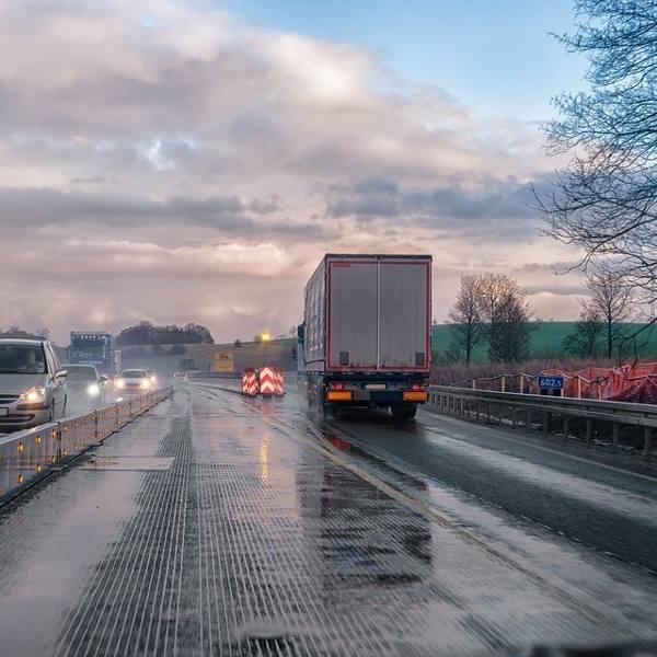 Kierowcy samochodów ciężarowych i ciągników siodłowych