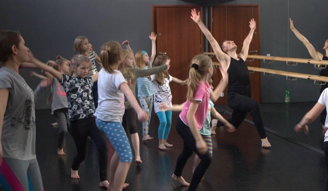 Bytom Teatr Rozbark świętuje Pierwsze Urodziny Integruje Dzielnicę