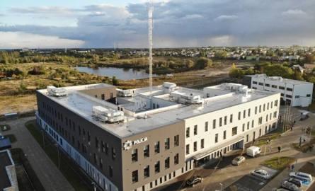 Uroczyste otwarcie nowej komendy policji w Kaliszu nastąpiło 19 września. Cały gmach to ponad 10 tysięcy metrów kwadratowych powierzchni, a cała działka,