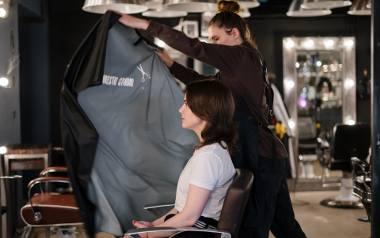 Kiedy otworzą salony fryzjerskie i kosmetyczne? Kiedy będziemy mogli się umówić do fryzjera i kosmetyczki? Przeczytaj! [9.05.]