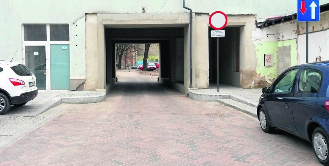 Nowa uliczka będzie biec od ul. Tuwima 10 do ul. Moniuszki 5, równolegle do Piotrkowskiej i Sienkiewicza.