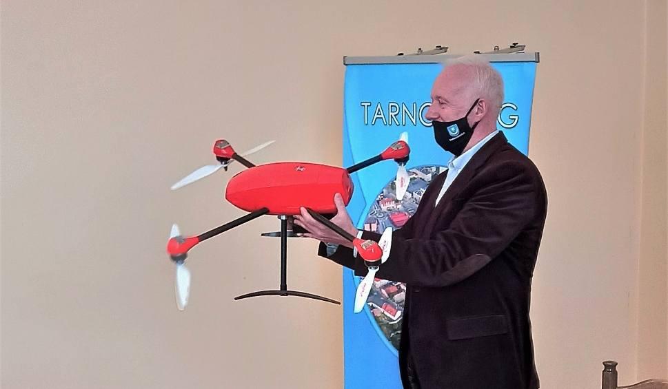 """Film do artykułu: Tarnobrzeg. Podniebne lekcje w """"Prymasówce"""". Uczniowie będą uczyć się pilotażu drona!"""
