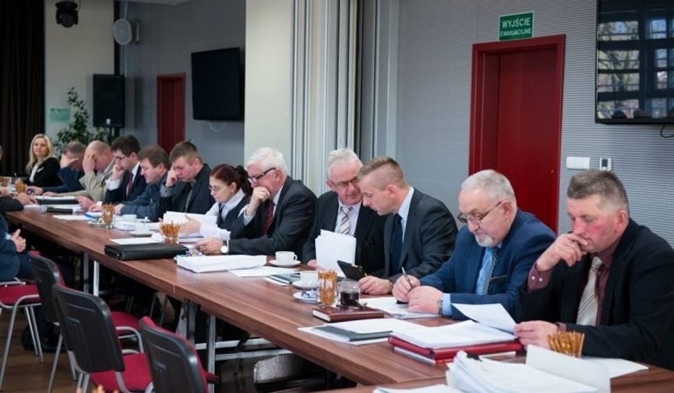 Film do artykułu: Sesja Rady Miejskiej w Morawicy w środę, 19 grudnia [OGLĄDAJ TRANSMISJĘ]