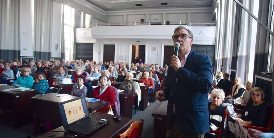 Rozpoczęły się wykłady dla seniorów w Łódzkiej Akademii Zdrowia - będą się odbywały raz w miesiącu