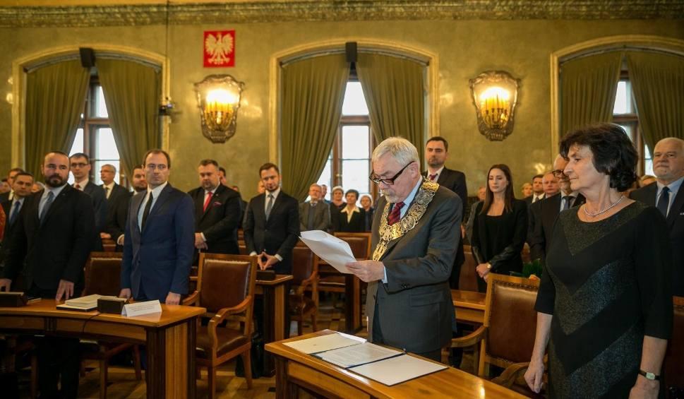 Film do artykułu: Nie wybrano przewodniczącego Rady Miasta Krakowa, choć interweniował prezydent [ZDJĘCIA]