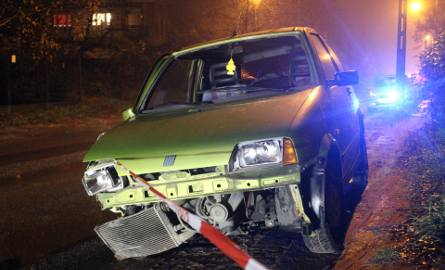 Wypadek na Śląskiej w Łodzi. Kompletnie pijany kierowca wjechał w betonowy słup