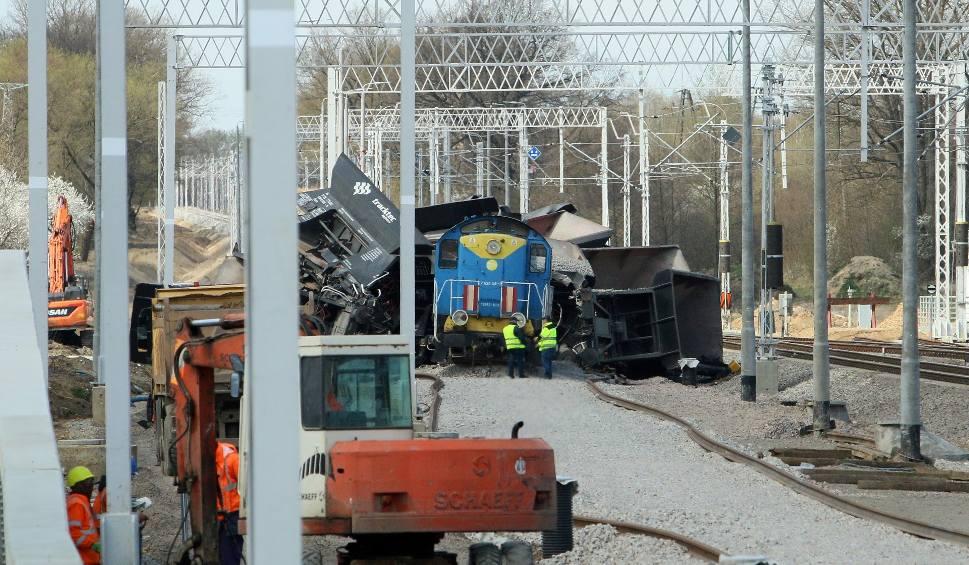 Film do artykułu: Wykolejenie pociągu w Motyczu. Wkrótce zacznie się usuwanie szkód