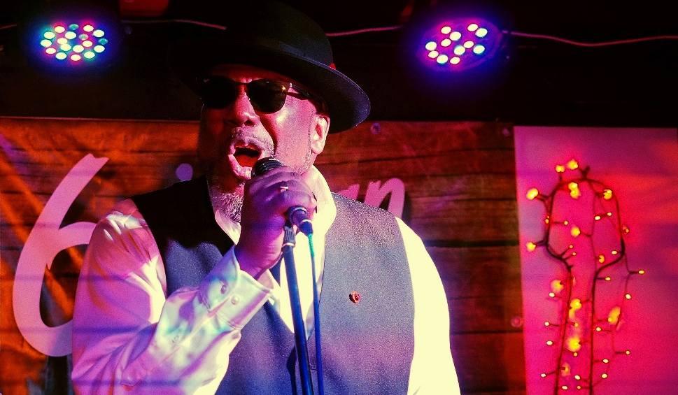 Film do artykułu: Pub 6-ścian. Big Daddy Wilson na stojąco (zdjęcia, wideo)