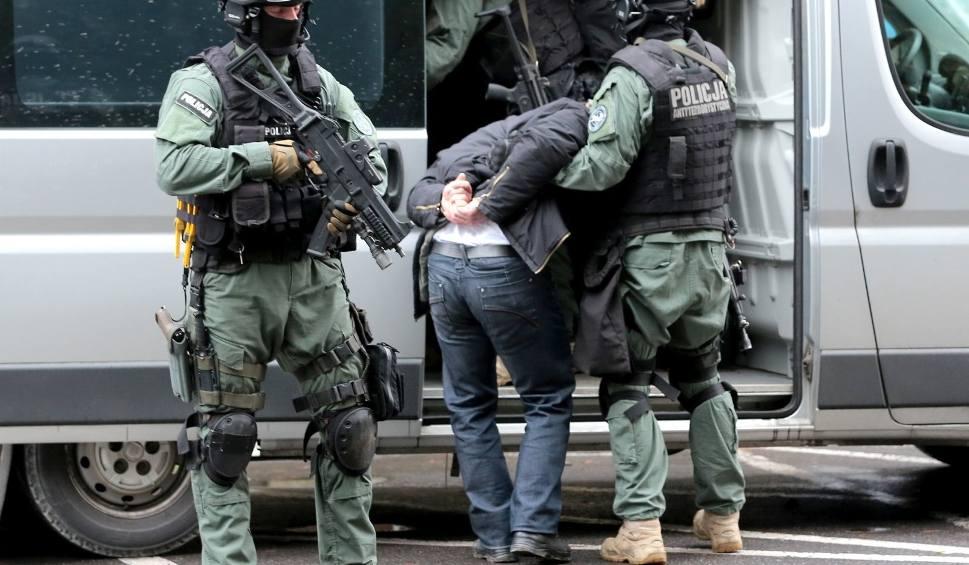 Film do artykułu: Dobra zmiana. Policja się chwali: Jest bezpieczniej. Zgadzacie się? Zagłosujcie w ankiecie! [STATYSTYKI]