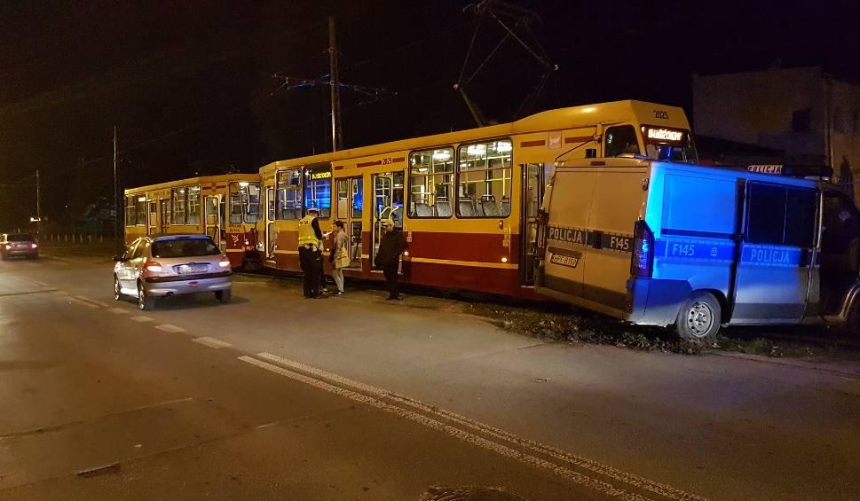 Film do artykułu: Wypadek radiowozu i tramwaju na Kilińskiego w Łodzi [ZDJĘCIA]