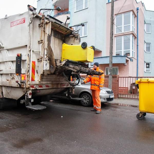 Wywóz śmieci jest coraz droższy, nie ma znaczenia czy segregujemy czy nie - i tak musimy zapłacić więcej. Ceny rosną jak szalone, a dysproporcje pomiędzy