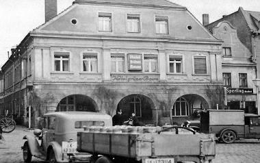 Lubiński Rynek, lata 30-40 ubiegłego wieku. Tych budynków już nie ma