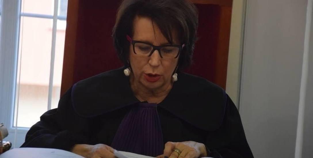 Alina Czubieniak to znana sędzia. W przeszłości  kierowała Sądem Okręgowym, w 2007 r. zrezygnowała ze stanowiska