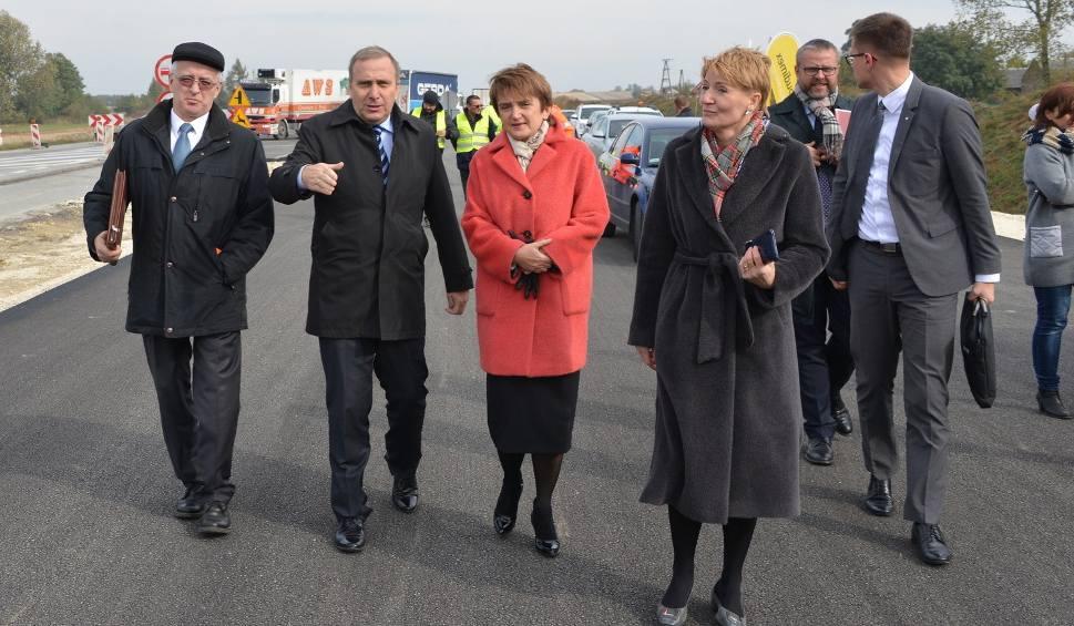 Film do artykułu: Ministrowie wizytowali budowę ekspresowej trasy S7 w okolicach Mierzawy