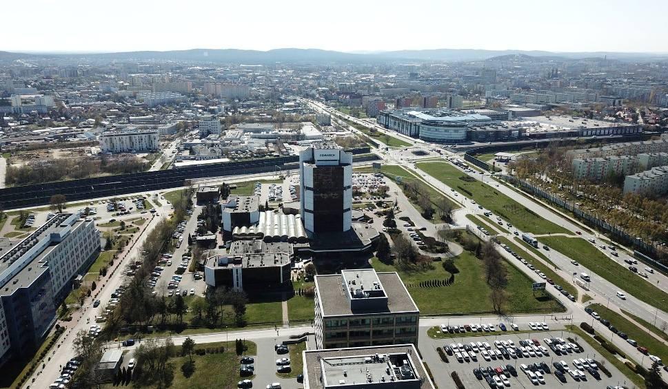 Film do artykułu: Dwie nowe ulice powstaną w rejonie alei Solidarności w Kielcach. Poznaj plany (WIDEO)