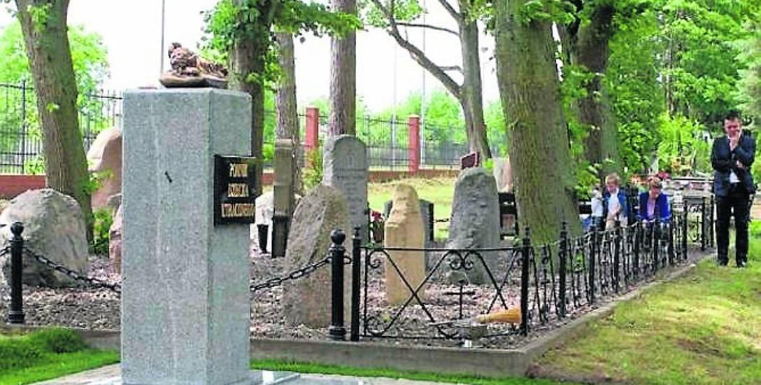 W tym roku na cmentarzu komunalnym w Stargardzie stanął Pomnik Dziecka Utraconego. Jest to jednocześnie grobowiec.