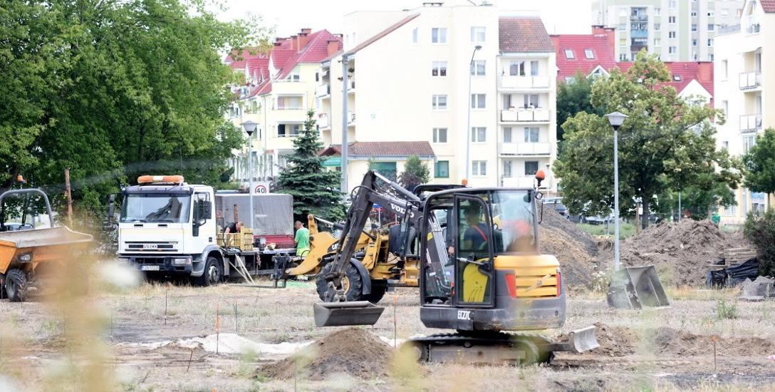 Zmiany na terenie po dawnym boisku przy ul. Rydza-Śmigłego w Zielonej Górze.