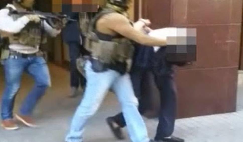 Film do artykułu: Białystok. Napad na właściciela kantoru przy Kawaleryjskiej. Policja złapała sprawców. To trzej Gruzini