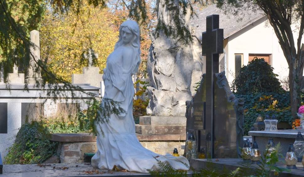 Film do artykułu: Kwestuj na cmentarzach w Kielcach. 1 i 2 listopada zbieramy na ratowanie nagrobków