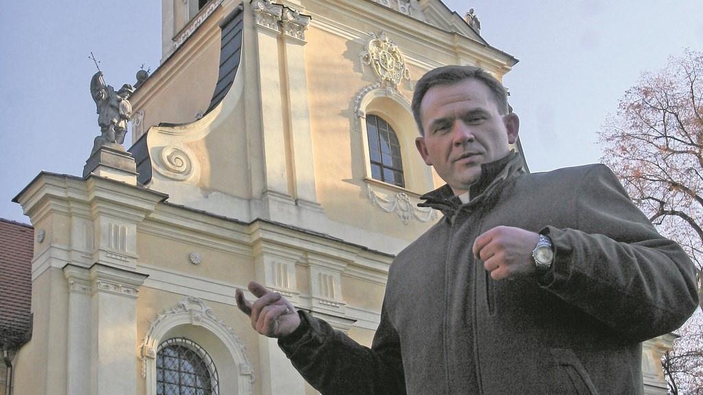 Ojciec Mateusz z Rud szuka skradzionych relikwii