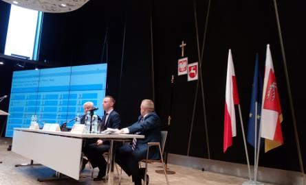 Sejmik Województwa Lubelskiego. W sali obrad zawisł krzyż (ZDJĘCIA)