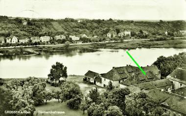 Jedno z przedwojennych zdjęć Krosna Odrzańskiego, na których widać spichlerz przy Zamku Piastowskim.
