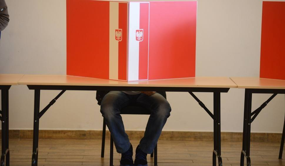 Film do artykułu: Wybory samorządowe 2018. Frekwencja w Wieliczce i Niepołomicach na godz. 12