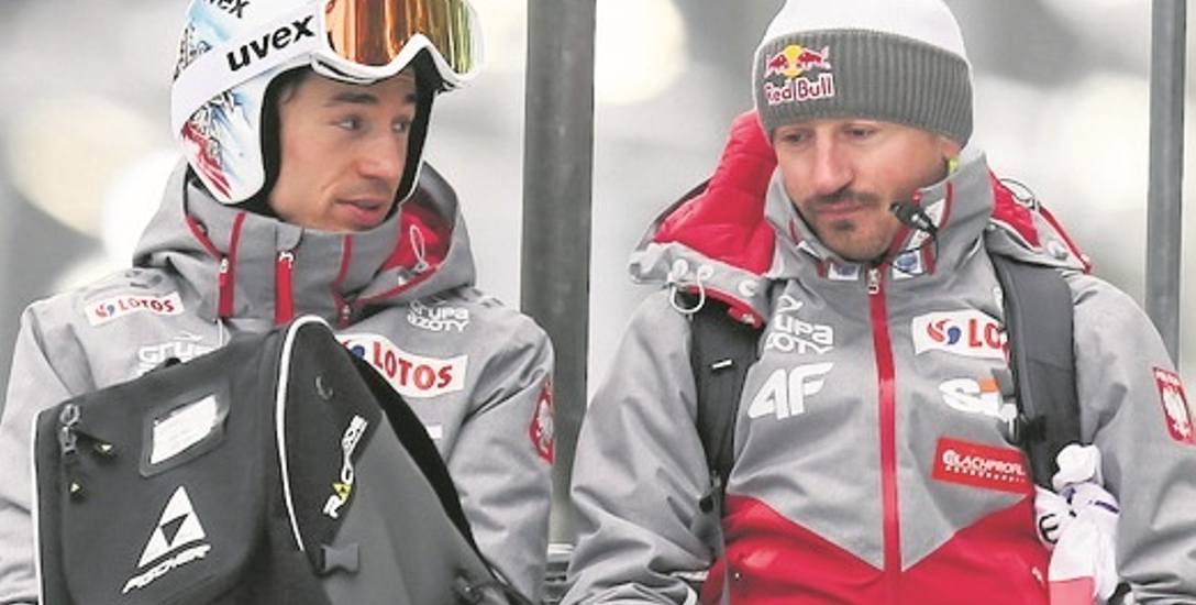 Lahti. Adam Małysz, obecnie dyrektor-koordynator PZN, oraz Kamil Stoch, dwukrotny mistrz olimpijski