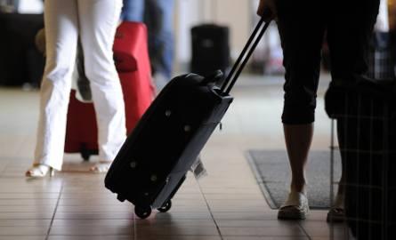 Polacy nie chcą wyjeżdżać do jakiejkolwiek pracy za granicą. 73 proc. badanych chciałoby pracować za granicą, ale tylko w swoim zawodzie.