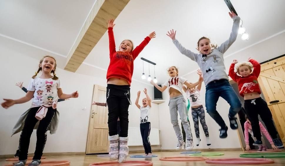 Film do artykułu: Toruń. Ferie w czasie pandemii. Gdzie zabrać dzieci? Oto atrakcje od UMK, CSW, muzeum, teatru, Urzędu Marszałkowskiego