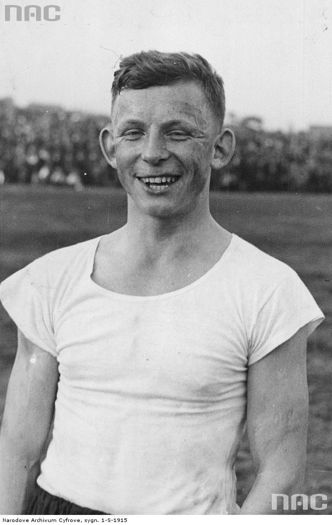 Ernest Wilimowski w barwach klubu sportowego Ruch Wielkie Hajduki [1]