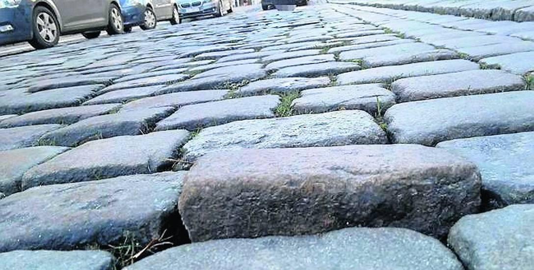 Zarząd Infrastruktury Miejskiej zapowiada, że nawierzchnie brukowe ulic w centrum zostaną niebawem poprawione