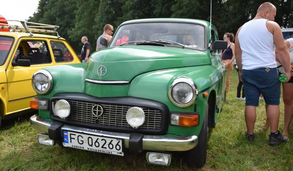 Film do artykułu: Stare auta i motocykle na zlocie PRL w Kłodawie [ZDJĘCIA, WIDEO]