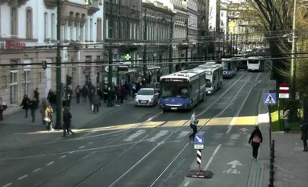 Wybrzuszona szyna blokowała ruch tramwajowy