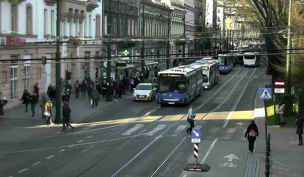 Film do artykułu: Wybrzuszona szyna blokowała ruch tramwajowy